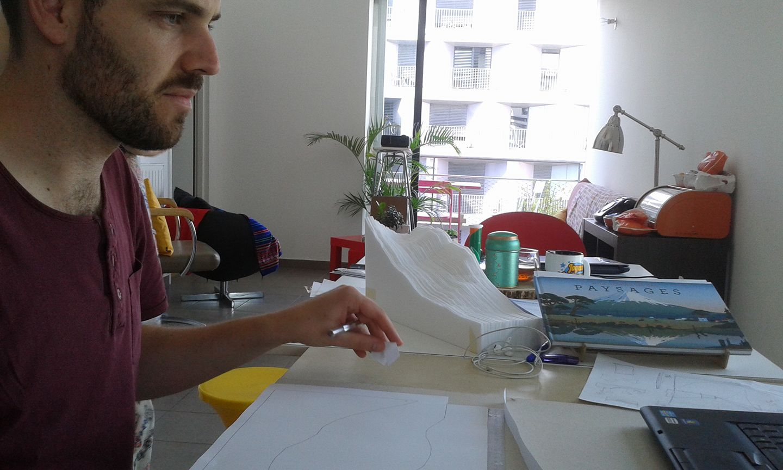 Bertrand et Ava au travail sur leur paysage